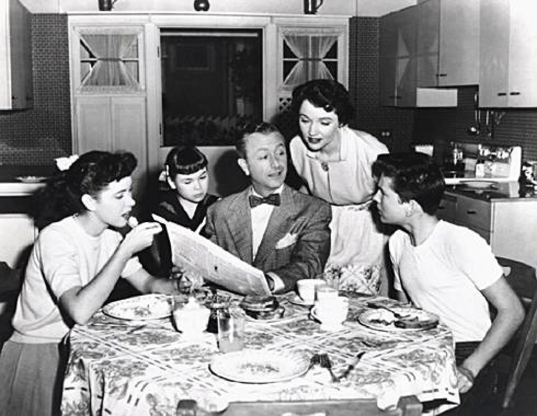 family-dinner-1