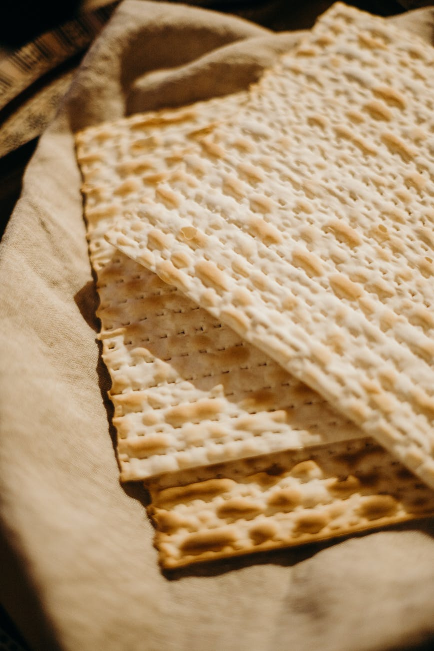 traditional jewish matzo